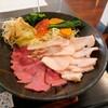 【笑う肉には福来る】牛豚鶏の3種類のお肉を同時に味わえます(東広島市八本松町篠)