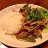 仲通の「エル・ボスケ」で沖縄そばとボリビア料理