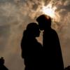 ナルシストの特徴を持つ人は他人の恋人を奪う可能性が高いという研究