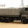 砲兵弾列と軍用輸送トラックの話