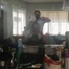 タシケントのローカル美容室でヘアカラー