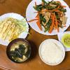 鶏胸肉の野菜炒めを夕食に決定 雨の日も活発に活動
