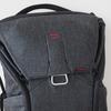 Peak Design Everyday Backpack(20L)にボディ2台(E-M1 MarkIIとE-M5 MarkII)入れてみる
