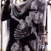 【考察】葬儀屋のデスサイズの骸骨にまかれたイバラの冠の意味