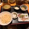 大阪市の平野町にある「魚日和」で名物の鯛めしを頂きました
