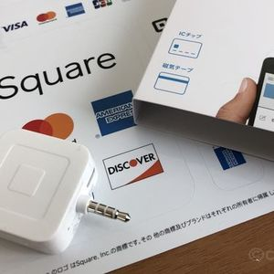 スマホを利用したクレジットカード決済機が役立つのはこんな時!自由度の高いモバイル決済を導入して、経費削減と売上アップを狙おう。