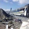 列車同士が衝突し炎上、43人死亡…イラン北部