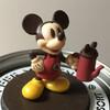 ミッキーフィギュア付きインスタントコーヒーはフィギュア、缶デザイン、コーヒーの美味しさのトリプルスリー!