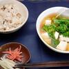 昼食:炊き込みごはん、豆腐の汁もの