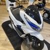 ホンダショールーム ホンダeとPCX バッテリー交換式バイク@青山