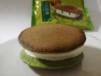 ウチカフェ「抹茶ティラミスパンケーキ」はシンプルに旨いサンドアイス。それが良い。