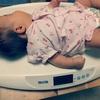 【赤ちゃん体重計】母乳派ママにとってベビースケールは必需品。悩みから解放された日。
