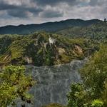 「ワイマング火山渓谷(Waimangu volcanic valley)」~世界最大の温泉湖その名も「フライパン湖(Frying pan lake)」