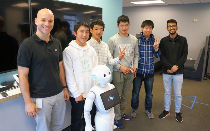 小中学生が憧れのシリコンバレーへ! 「Pepper 社会貢献プログラム」の成果発表会優勝メンバーの視察ツアーに密着