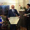 【ウズベキスタンニュース】ジャリル・スルタノフ様(日本人抑留者資料館館長)の叙勲式がウズベキスタンの日本大使館で行われました