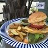 熱海市渚町の「SelFish Diner」でこだわりマグロバーガーセット他