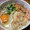 あまった晩飯の天ぷらで、天ぷら卵うどん【貧乏飯27】