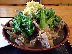 【沖縄】骨付き肉ならぬ肉付き骨!北谷町「がじまる食堂」の骨汁定食でブタをとことん味わい尽くそう