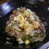 幸運な病のレシピ( 1570 )昼:焼きうどん(青椒肉絲風の仕立直し)、トマトビーンズスープのグラタン(仕立直し)