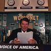 VOA(ボイスオブアメリカ)の音声をスマホでダウンロードするとリスニングがはかどる件