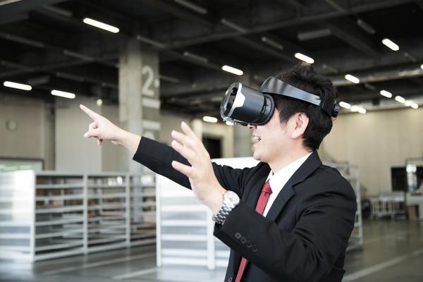 VRは仕事の現場でどう活用されている? ビジネスシーンの未来予想図