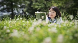 朗読のプロ、青谷優子さんが指導!英語朗読の誌上レッスンに挑戦してみましょう[英語音声付き]