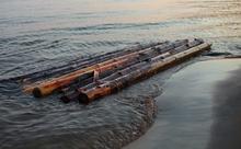 18歳の少年が49日も海を漂流した理由。英語多読ニュース