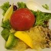 麺者 服部 まるごとトマトと果実添えグリーンペッパーラープのジュレじゅーしー 水道橋と神保町の間