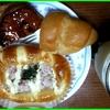 17/08/23の朝食(パン)・晩御飯(豚バラと残り野菜の味噌煮込み)