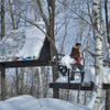 ツリーハウスの雪下ろし