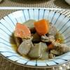 鶏とゴボウの炒め煮は甘辛い味で