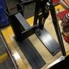 「レザークラフト」新型ハンドプレスの試作機を携えて・・・