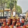 昨年死去、タイ前国王の火葬式に11万人集まる