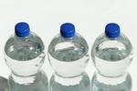 水筒の代わりは厳禁!?ペットボトルの絶対にしてはいけない使い方とは?