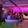 ボートを漕いで冒険するバー「Lost Lagoon」へ!