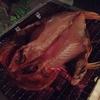 金目鯛の干物を炭火で炙っていただきます。