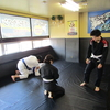 火曜日午前中フルタイム一般柔術クラス、夜キッズ柔術クラス、一般柔術クラス。