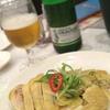 香港地元飯、龍寶酒家:しっとり蒸し鶏、胡瓜とクラゲの前菜、白身魚と湯葉の甘煮と、ワニの手のスープ
