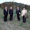 障がい者によるぶどうの収穫、ワイン醸造、販売等を行なっている小牧ワイナリーを視察