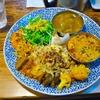 東新宿の「サンラサー」でわんぱく(ココナッツチキンキーマ、オリッサ州のサラサラの野菜カレー、クリーミー海老カレー)。
