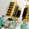 海外、飛行機でのネットは快適になるのか。SBが衛星ネット会社のOneWebに出資。