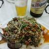 香港地元飯、大牌檔 :魚の皮のおつまみ、パリパリ焼きそば餡別盛りと豚の甘酢あえ