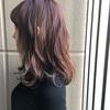 髪色を春仕様に変えたい人にオススメ。甘過ぎないヘアカラー【ピンクベージュ】