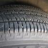 タイヤの溝の小石