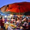「Chatsila Nigt Market」、「Dinosaur Market 」~ホアヒンのローカル ナイトマーケットは活気があり見どころ。。。