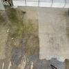 高圧洗浄機で駐車場を掃除しました