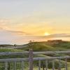 知床五湖 地上遊歩道散策 似ている五つの湖 、湖に映る知床連峰 散策日和、高架木道からオホーツク海に沈む夕日