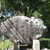 万葉歌碑を訪ねて(その236)―大津市神宮町 近江神宮前近江時計眼鏡宝飾専門学校入口―