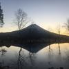 逆さ富士を見に、ふもとっぱらキャンプ場へ行ってみた。2日目。朝焼けが神々しい。(富士宮市麓)
