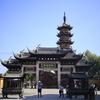 上海観光ナビ-上海のおもしろい建物を撮影しよう(1)龍華寺、徐家匯天主堂。